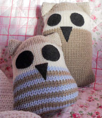 Image of the Hooter Family, knitted in pure wool yarn