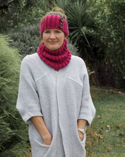 Image of our innovative neck scrunchie and earwarmer knitting kit